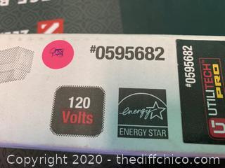 Utilitech Pro Strip Light (J171)