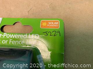 Solar Powered LED Deck or Fence Lights - Qty 5 (J229)