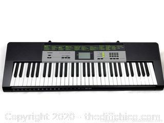 Electronic Lighted Piano Keyboard Casio LK-135 61 Keys w/ Adapter