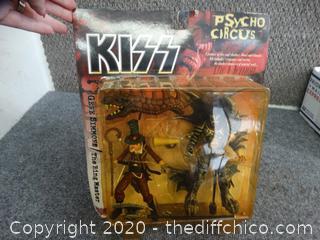 Gene Simmons  The Ring Master   Psycho Figurine Nib