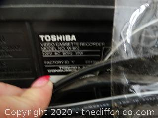Toshiba VHS  Player Powers On