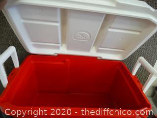 Igloo Quantum Cooler Red , Black , White