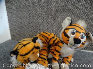 Tiger Animals & Statues