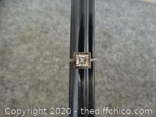 Ladies Ring With Gem 5.5