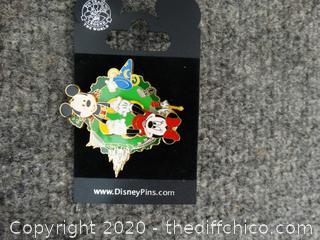 Mickey & Minnie Disney Pin
