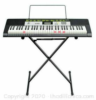 Electronic Lighted Piano Keyboard and Stand Casio LK-135 61 Keys w/ Adapter