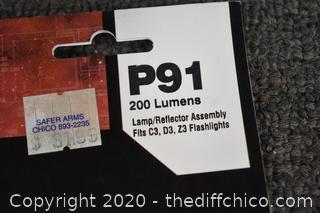 2 NIB Surefire Lamp/Reflector Assembly