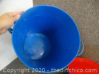 Blue Trash Can With Lid