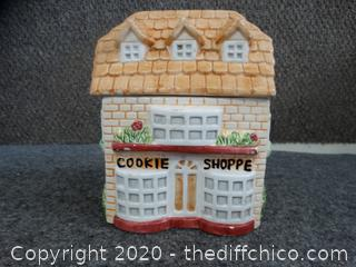 Cookie Shoppe Cookie Jar - needs a good cleaning