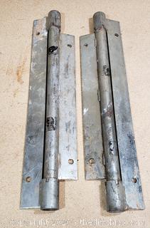 Pair of Heavy duty brakets 18in