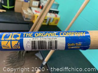 The Organic Company 5-Tine Hay Fork (J35)