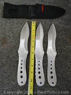 Hibben Throwing Knives in a Case