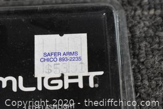 NIB Streamlight Pro Reach Light