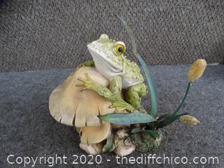 Frog on Mushroom Garden Statue