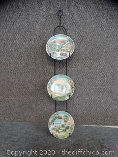 3 Plates with Wire Holder