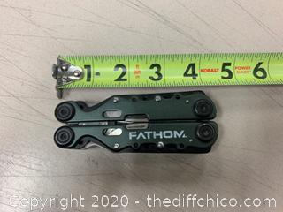 Fathom Multi-Tool With Carrying Case (J64)