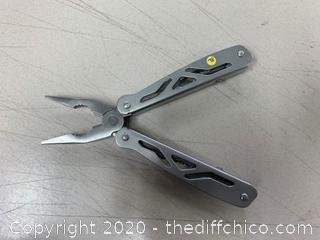 Silver Multi-Tool (J78)