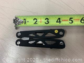 Black Multi-Tool (J82)