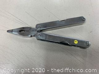 Silver Multi-Tool (J89)