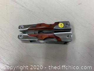 Silver And Wood Grain Multi-Tool (J91)
