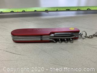 Red Multi-Tool (J204)