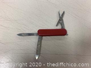 Red Multi-Tool (J246)
