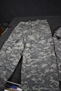 Cameo Pants and Shirt - size Med R