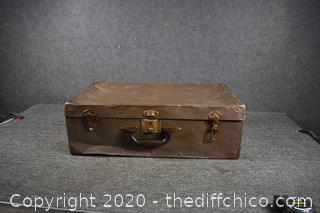 Vintage Trunk - well abused