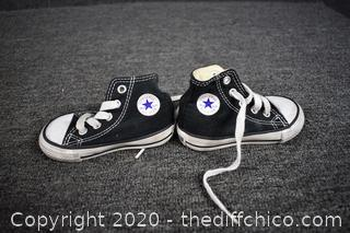 All Star Converse Chuck Taylor Tennis Shoes - size 4