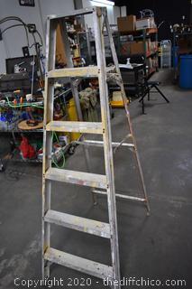 6ft Aluminum Ladder