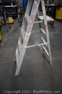 5ft Aluminum Ladder
