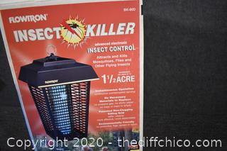 Flowtron Working Insect Killer