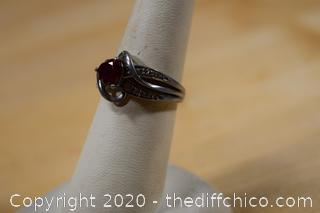 Sterling Silver Ring w/Ruby size 7