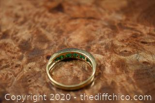 14k Gold Ring Emerald size 6