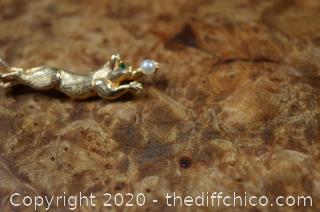 14k Gold Pin w/Emerald Eye and Pearl