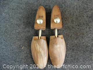 J & M Shoe Stretchers