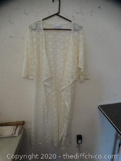 Lace Robe med