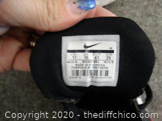 Nike Shoes mens 11