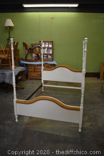 4 Poster Bed w/rails