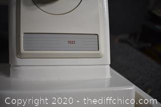 Portable Singer Sewing Machine Model 1022