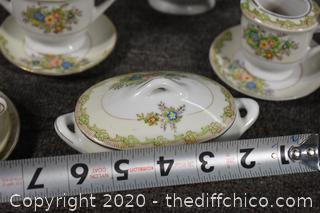22 Pieces of Occupied Japan Tea Set