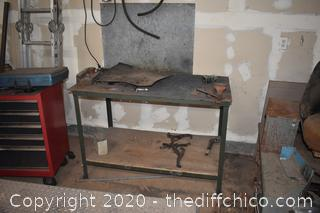 Welding Bench w/3 1/2in Vise-table top 1/16th thick