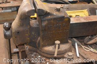Reed No. 408R  250lb 6in Vise