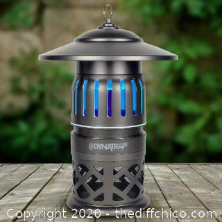 DynaTrap 1/2 Acre Tungsten Insect Mosquito Trap Plug In Outdoor Bugs *PreOwned*