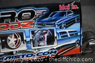 NIB Pro Rodz 1968 Cameo Collectible Car