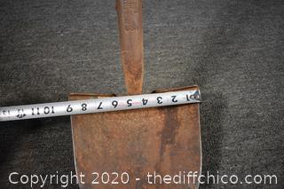 49 1/2in long Shovel