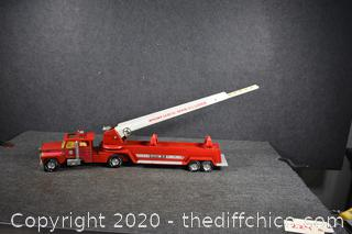 Collectible Metal Hook n Ladder Fire Engine