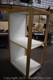 Rolling Display w/adjustable shelf