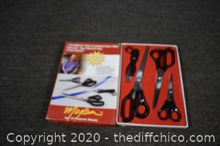 NIB 4 Piece Shear Set