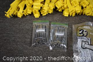 32 Nail-on Extender Insulators for Fence